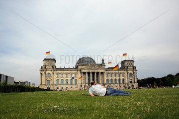 Liegewiese vor dem Reichstag