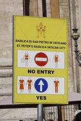 Schild vor der Petersdom