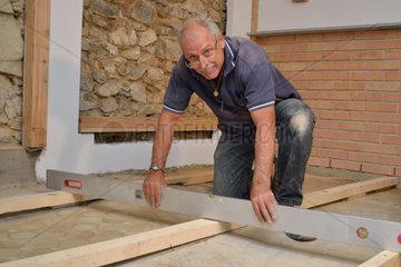 Facharbeiter auf der Baustelle