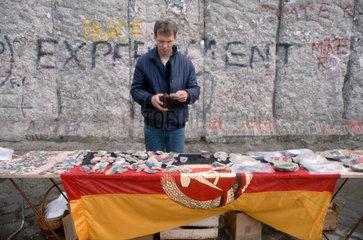 Berliner Mauer Haendler