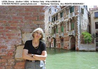 LEON  Donna - Portrait der Schriftstellerin