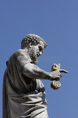 Petrus Statue