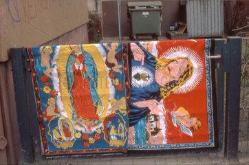 Madonna und Jesus Teppiche