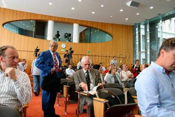 Berlin - Journalisten bei der presentation der CDU Wahprogramm