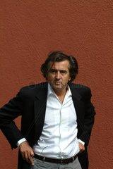 LEVY  Bernard-Henri - Portrait des Schriftstellers