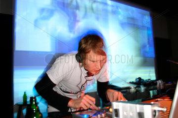 Liveact von Spatial bei der Club Transmediale 2009