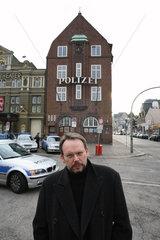 RUSSELL  Craig - Portrait des Schriftstellers