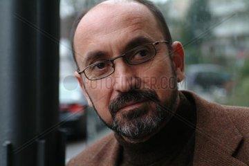LUBONJA  Fatos - Portrait des Schriftstellers