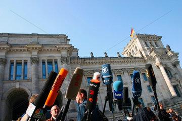 Berlin - Medien bei der Sondierunggespraeche