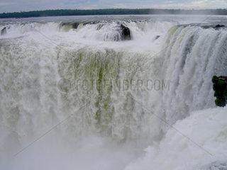 Iguazú-Wasserfaelle