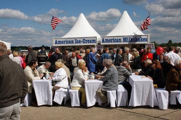 Berlin-Tempelhof und american Ice-Cream