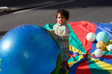 Weltkindertag und blaue Planet