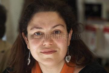 SANTOS  Care - Portrait de Schriftstellerin