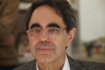 JANER MANILA  Gabriel - Portrait des Schriftstellers