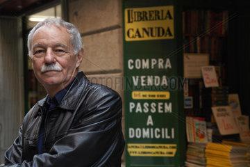 MENDOZA  Eduardo - Portrait des Schriftstellers