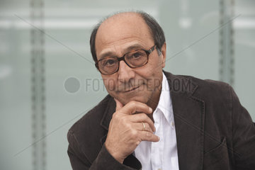 NIRUMAND  Bahman - Portrait des Schriftstellers