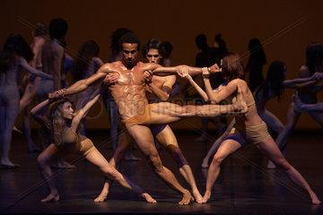 LE SACRE - Szenenfoto des Balletts