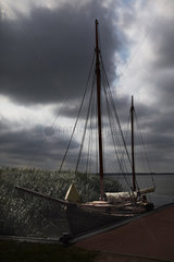 Born - Fishing Boat (Zeesenboot)