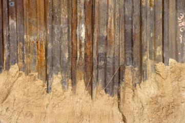 Verrostete Stahltrennwand