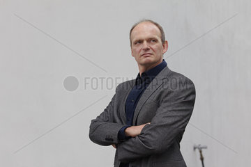 LEHR  Thomas - Portrait of the writer
