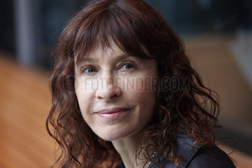 GUELFENBEIN  Carla - Portrait of the writer