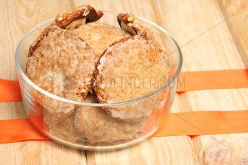 Frische Lebkuchen in Glasschale