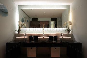 Toiletten im Hotel Le Royal Meridien Hamburg