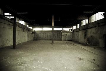verlassenes Gebà ude  Industriegebiet 1