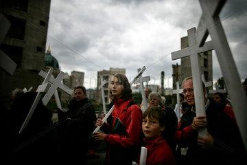 Abtreibungsgegner demonstrieren gegen Abtreibung