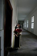 Eine deutsche Nonne zu Besuch in dem Zisterzienserkloster in Osek am Fusse der Erzbebirge