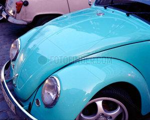 Volkswagen VW Kaefer und Renault R4