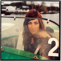 Lisa im Tretboot