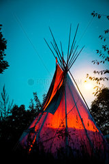 Lakota Tipi Nordamerika Langzeitbelichtung Nachtaufnahme