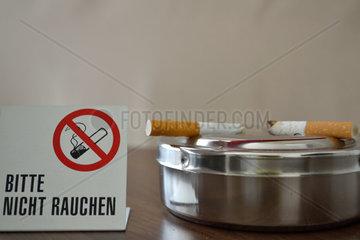 Trotz Rauchverbot Zigaretten