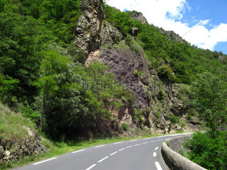 Frankreich  Languedoc-Roussillon  Strasse in den Pyrenaeen