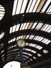 Bahnhofsuhr im Bahnhof Mailand (Italien)