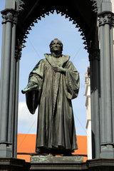 Philipp Melanchthon Statue auf dem Marktplatz von Wittenberg.