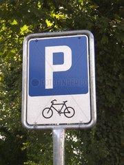 Fahrrad - Parkplatz - Schild