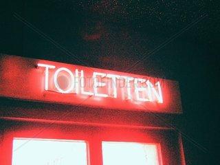 Toiletten Schild Neon