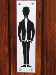 Herren -Schild an oeffentlichem WC.