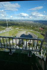 Blick vom Startturm der Holmenkollen Schanze ausserhalb von Oslo.