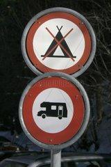 Campieren und Zelten verboten