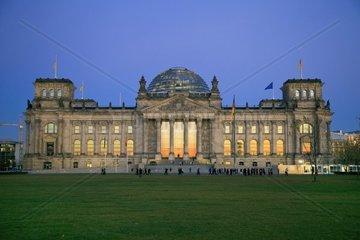 Reichstag  Reichstagskuppel  Bundestag  Regierungsviertel