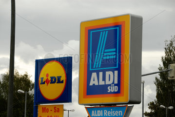Die beiden Discounter Aldi und Lidl buhlen oft am gleichen Standort um Kunden.