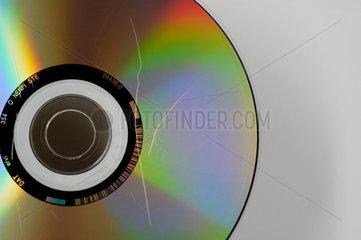 CD ROM mit Kratzern und Staub.