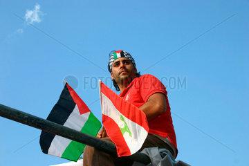 Libanesische und Palestinensische Fahnen
