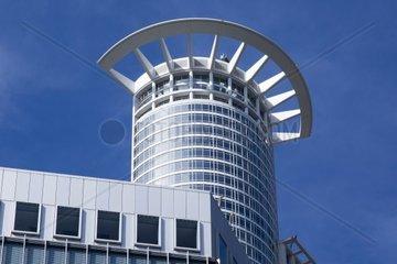 Blick auf das Verwaltungsgebaede der DZ Bank AG  Deutsche Zentral-Genossenschaftsbank  Hauptverwaltung im Westendtower  Kronenhochhaus  Frankfurt am Main  Hessen  Deutschland  Europa