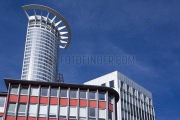 Blick auf das Verwaltungsgebaeude der DZ Bank AG  Deutsche Zentral-Genossenschaftsbank  Hauptverwaltung im Westendtower  Kronenhochhaus  Frankfurt am Main  Hessen  Deutschland  Europa