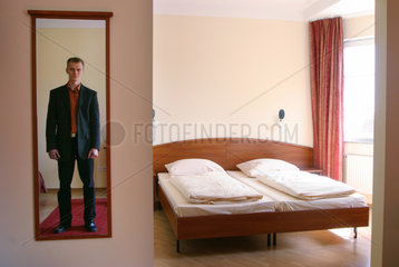 SLUBFURT HOTEL - EU OSTERWEITERUNG GRENZE