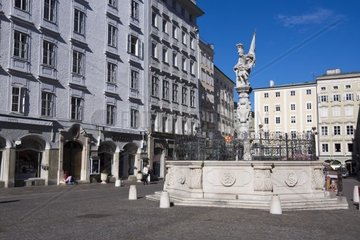 Florianibrunnen am Alten Markt  Salzburg  Salzburger Land  Oesterreich  Europa